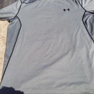 Under Armour  Fitted grey t shirt